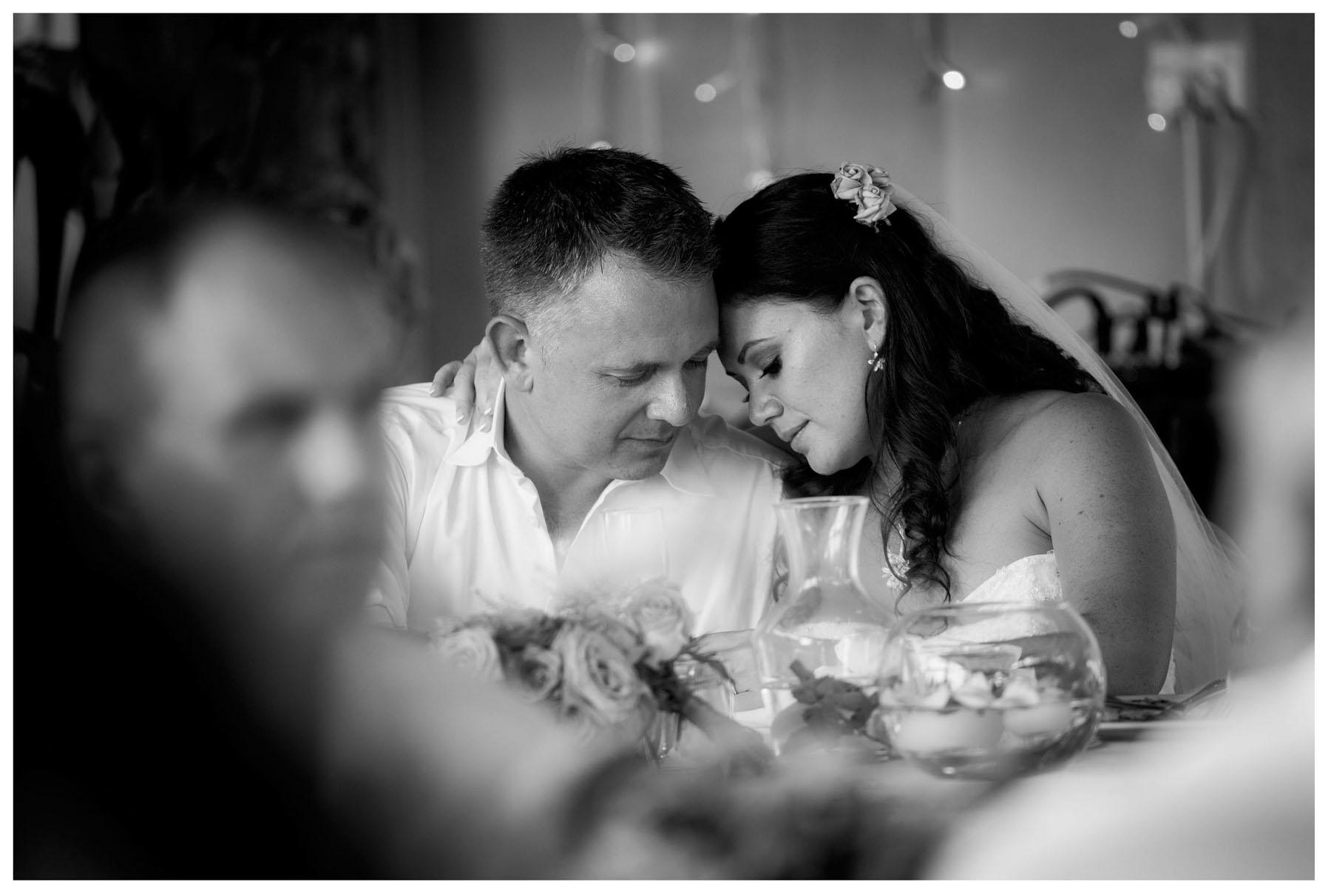 wedding photograph by Auckland wedding photographer Chris Loufte www.theweddingphotographer.co.nz Bethells Beach