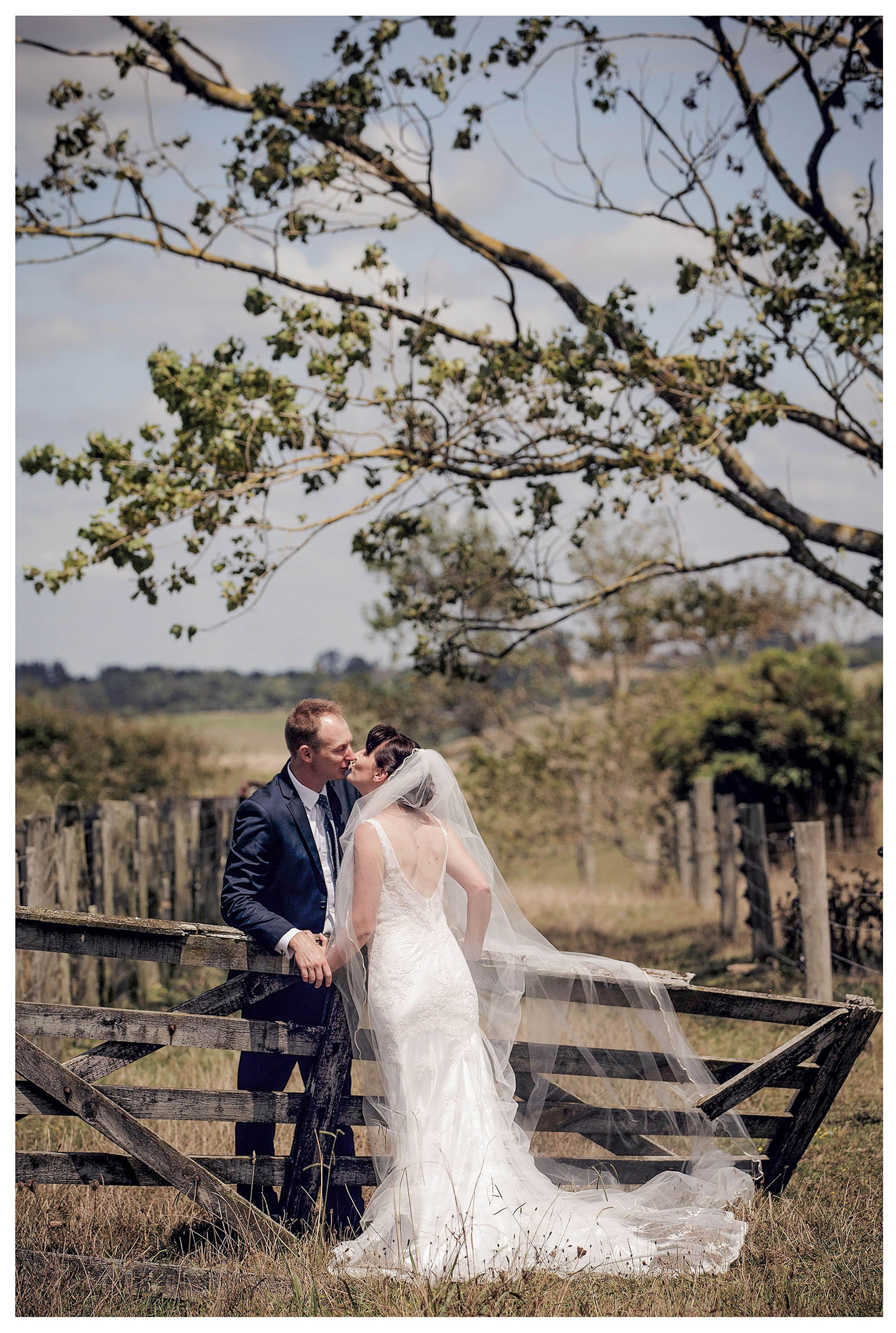 wedding photograph by Auckland wedding photographer Chris Loufte www.theweddingphotographer.co.nz farm wedding
