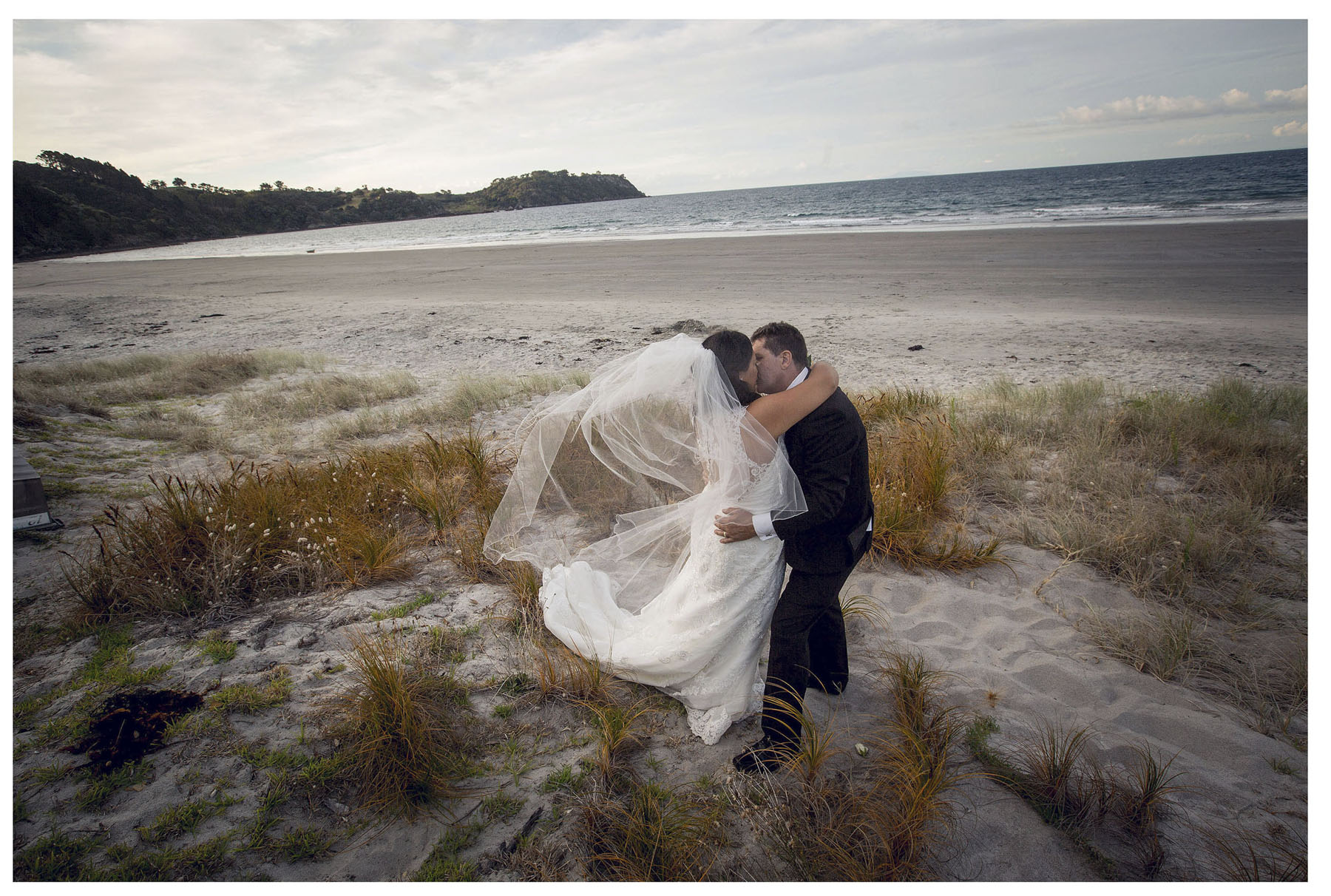 Waiheke Island wedding photos by Chris Loufte