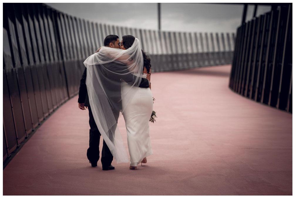 Auckland City wedding photo by Chris Loufte
