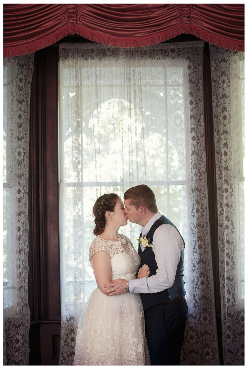 wedding photo by Chris Loufte Alberton House Auckland