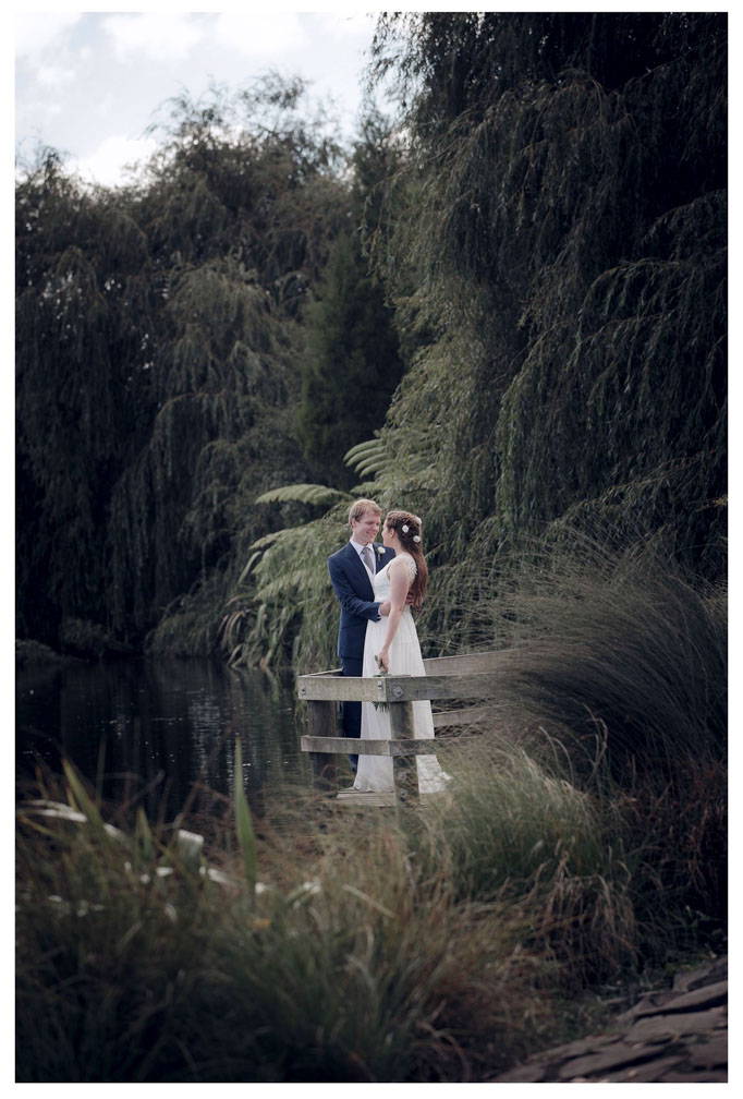 The Botanical Gardens Auckland wedding photo by Chris Loufte