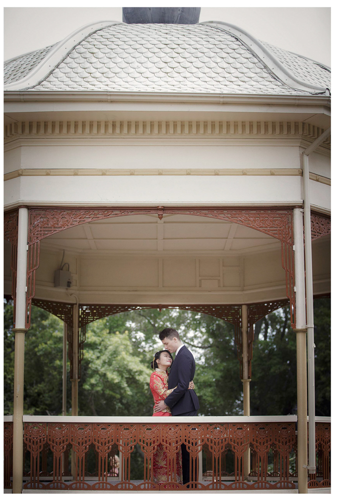 Traditional Chinese wedding dress Corwall Park Auckland wedding photo Chris Loufte