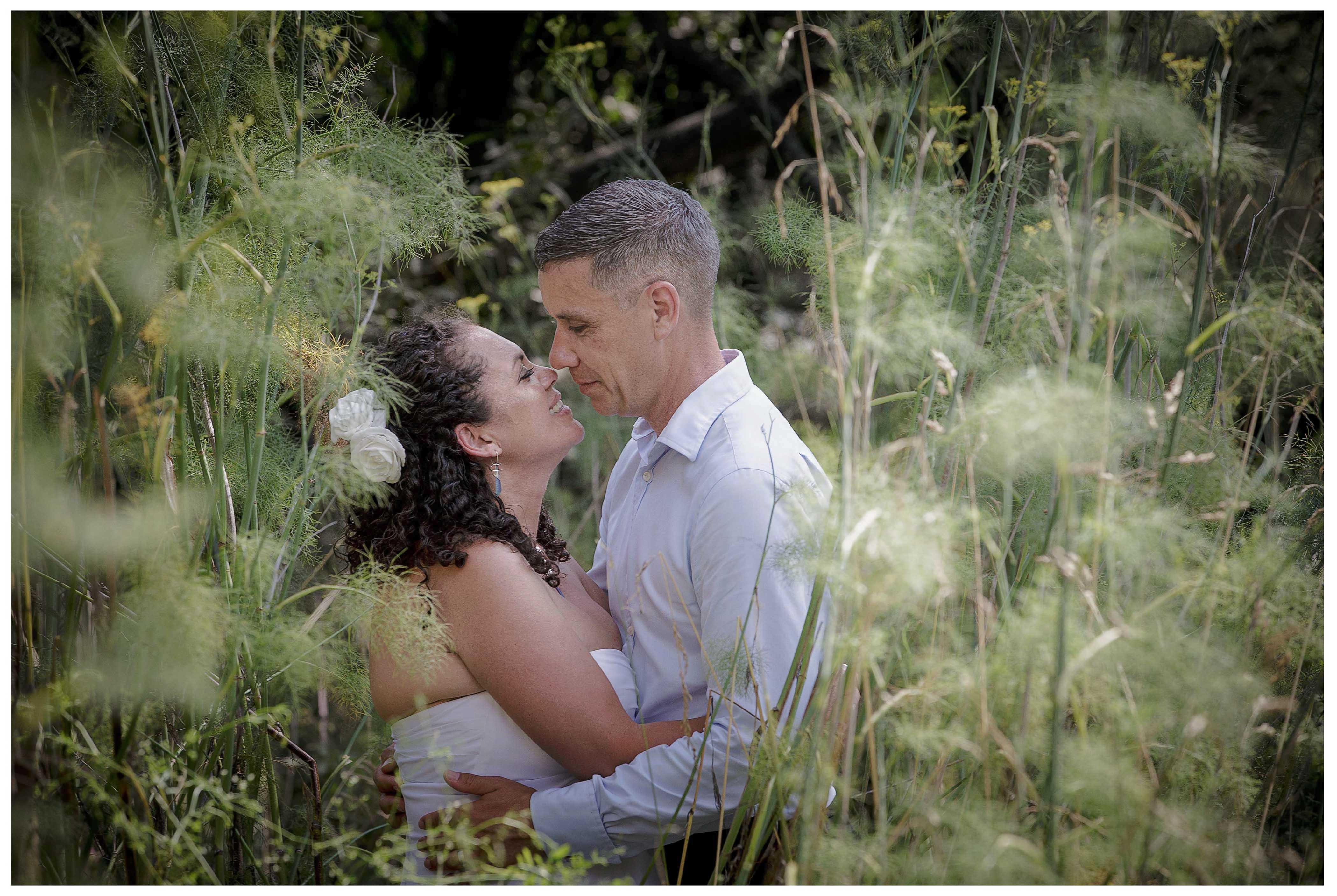 Puhoi wedding photo by Auckland wedding photographer Chris Loufte